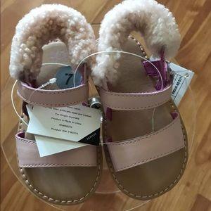 UGG Girls I Dorien Sandal, pink 6/7 US Infant NEW